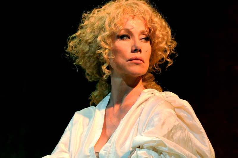 """Nancy Brilli al Teatro del Fuoco con """"Bisbetica"""""""