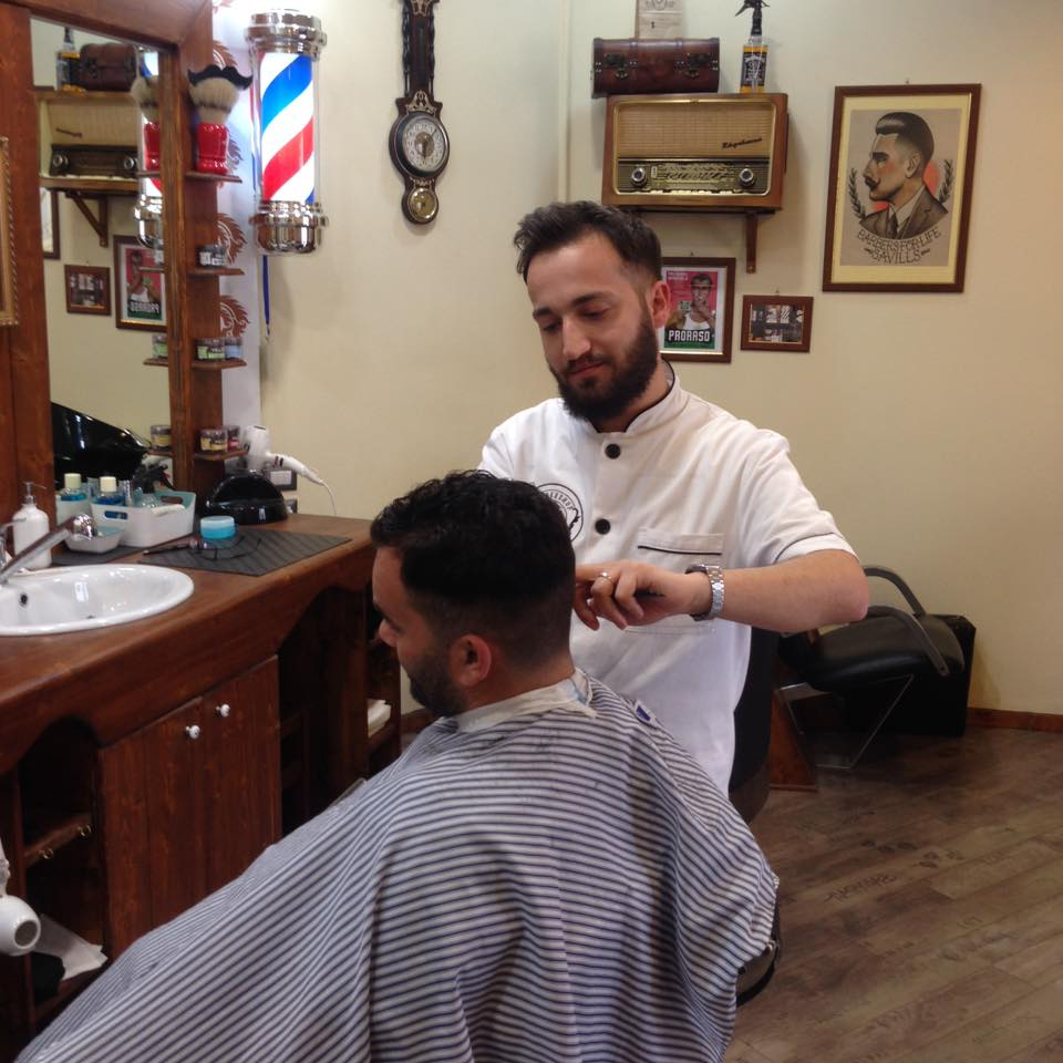 Barbiere Foggia: Hair Chic Baber Shop, Antonio Cardone