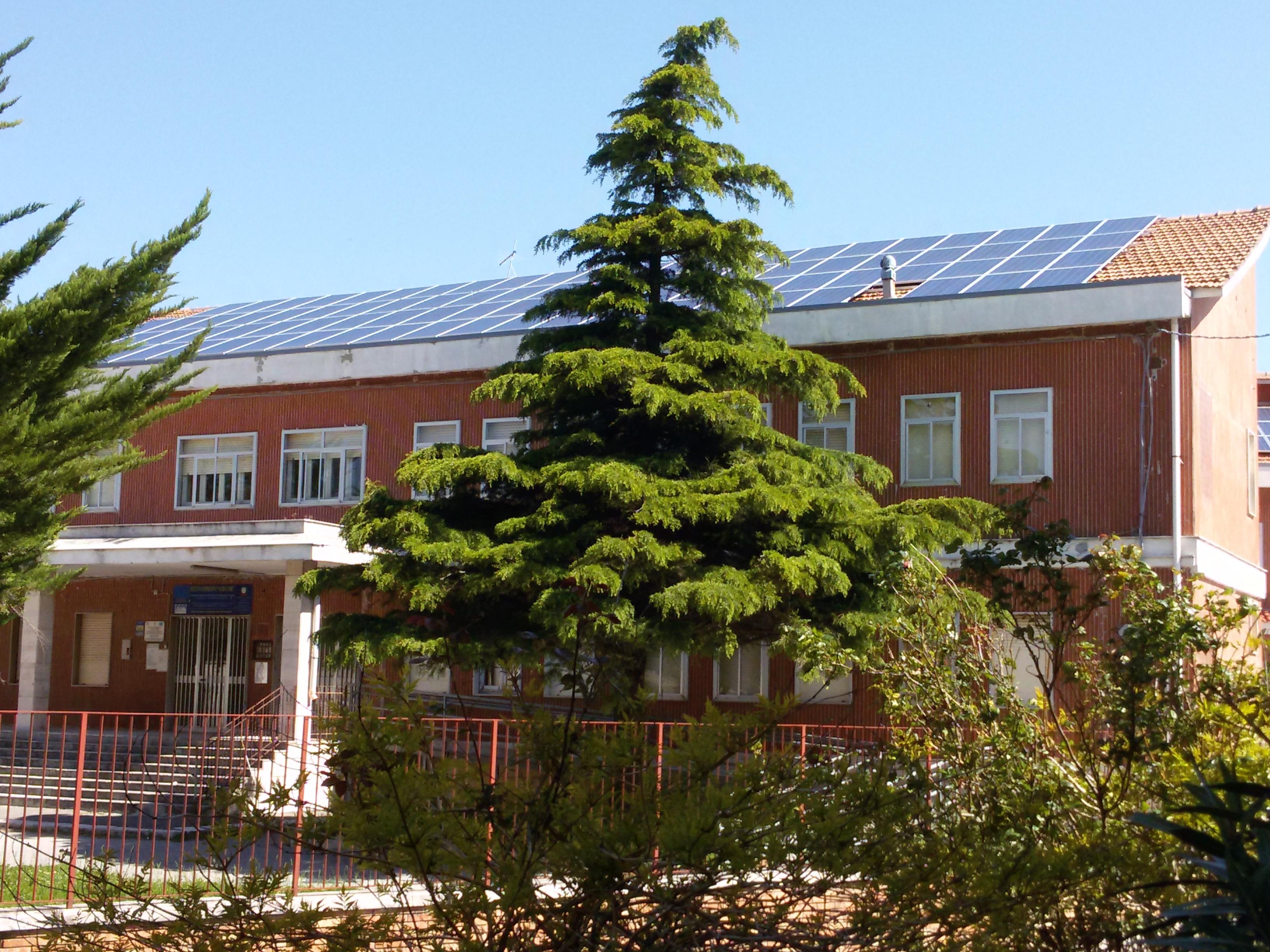 La scuola di Orsara con pannelli solari