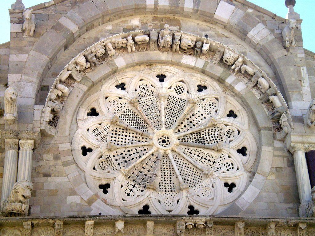 Rosone della Cattedrale di Troia