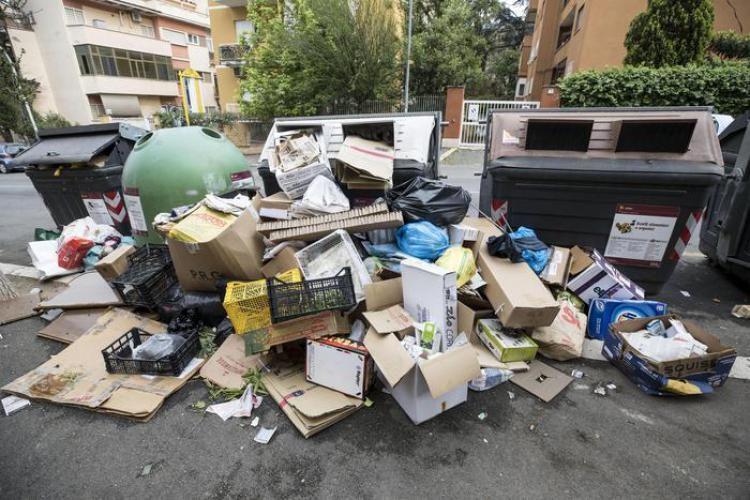 1526014204801.jpg Rifiuti Roma Chiede Aiuto Alla Puglia