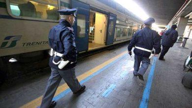 Photo of Danneggiano i sedili del treno regionale Foggia-Bari: denunciati due ragazzi e una ragazza