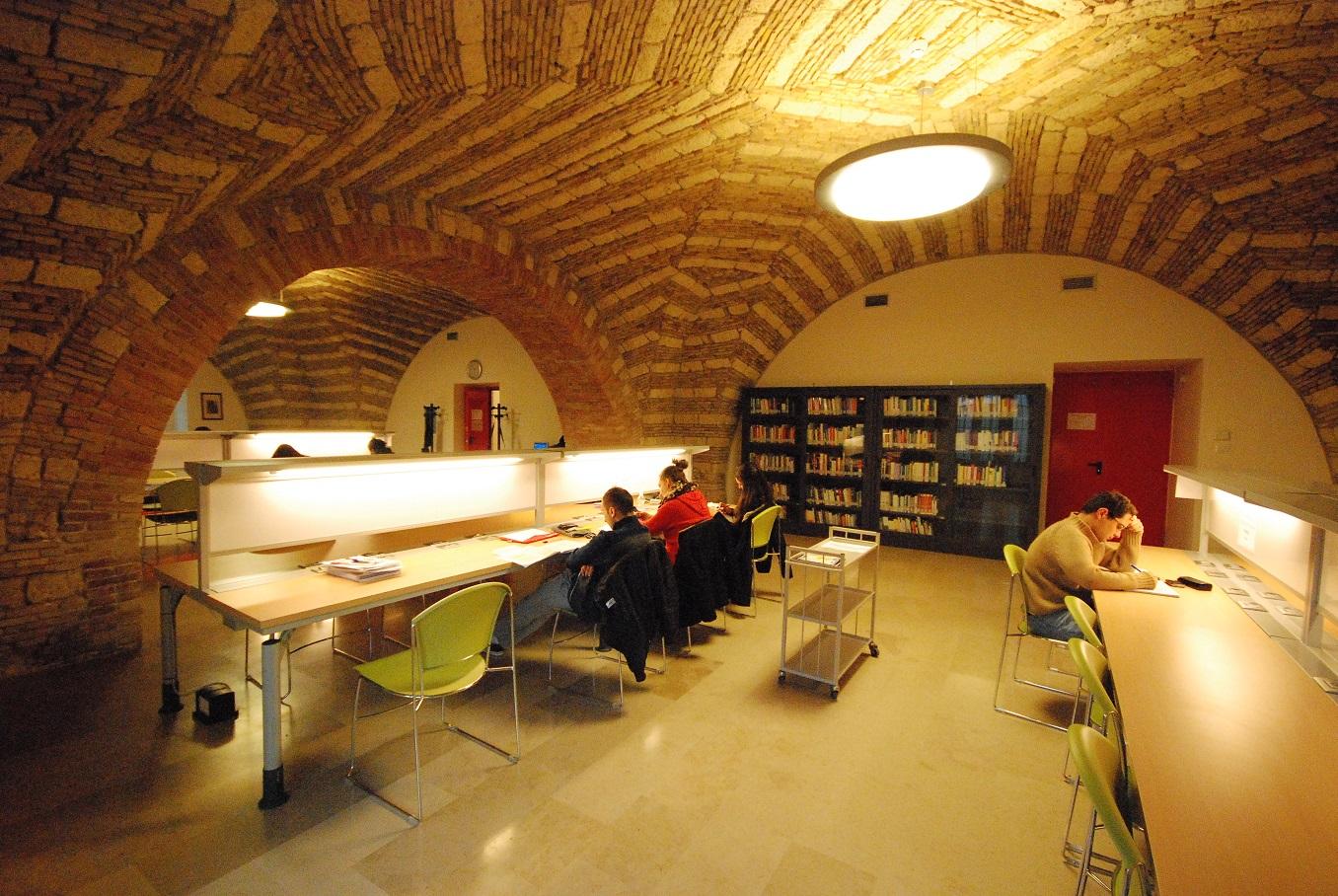 Biblioteca Polo Umanistico Flou