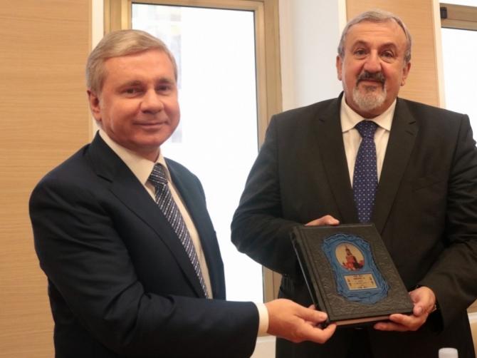 Puglia Emiliano Riceve Il Ministro Del Governo Di Mosca Sigliamo Accordi Che Intendiamo Mantenere 1537785139 Grande