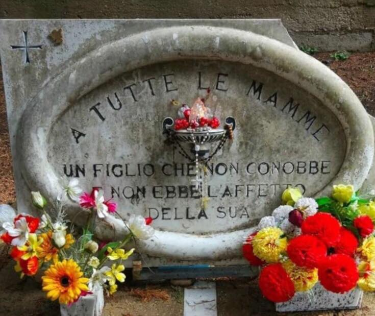 Cimitero Di Foggia Lapide A Tutte Le Mamme