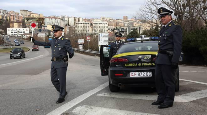Due Giovani Foggiani Arrestati Dagli Agenti Della Guardia Di Finanza