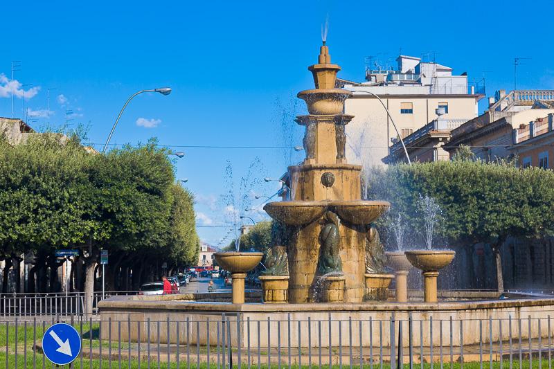 Restauro Della Fontana Di Piazza Incoronazione