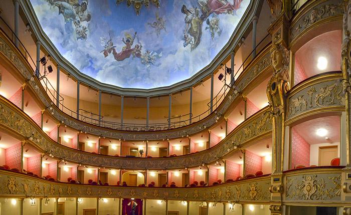 teatro garibaldi lucera