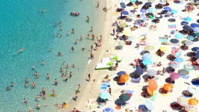 Photo of Foggiani al mare: ecco 10 tipi da spiaggia che incontrerete sotto gli ombrelloni