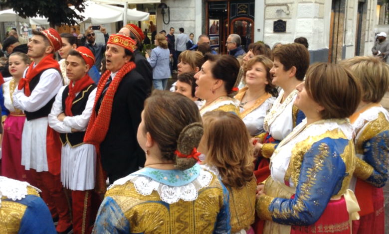 casalvecchio-presidente-albania