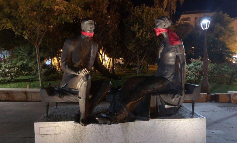 foggia-statue-imbavagliate-casapound