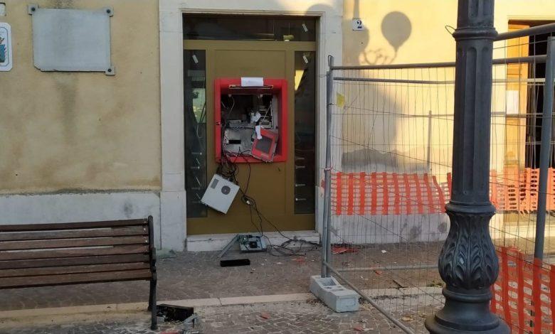 bomba bancomat castelluccio