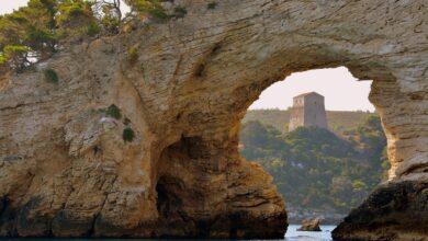 Photo of Un arco naturale, acqua cristallina e panorami mozzafiato: alla scoperta di Baia di San Felice