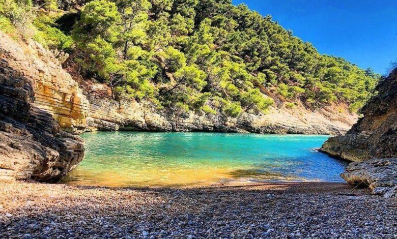 Photo of Acqua cristallina e natura selvaggia: benvenuti a Cala della Sanguinara