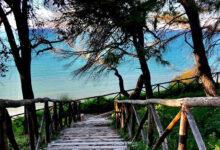 Photo of Mare turchese e natura selvaggia, alla scoperta dell'incantevole Spiaggia dei Cento Scalini