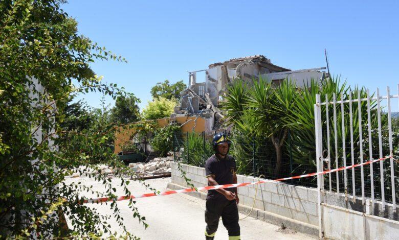 troia-esplosione-crollo-casa