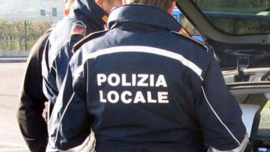 Photo of Rifiuti abbandonati per strada e in campagna, cittadini incivili beccati in flagrante dalla Polizia Locale