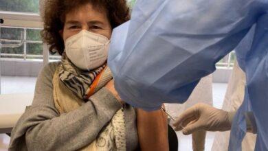 """Photo of V-Day a Foggia, oggi la seconda dose ai primi vaccinati a fine dicembre 2020: """"Adesso potremo prendere a schiaffi il Covid"""""""