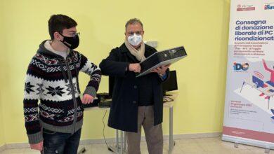 """Photo of I ragazzi del Progetto iDO """"Io Faccio Futuro"""" donano all'ASL Foggia Pc ricondizionati"""
