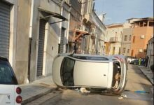 Photo of Fuga rocambolesca tra le vie di Foggia: il furto dell'auto termina con un incidente