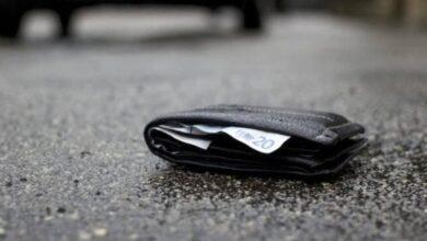 Photo of Foggia, trova portafogli pieno di denaro e lo consegna in Questura