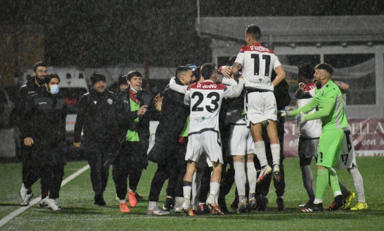 Photo of Potenza-Foggia 0-1. I rossoneri archiviano il discorso salvezza e sognano i playoff
