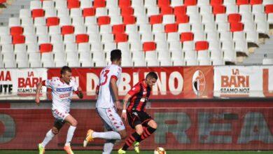 Photo of Bari-Foggia 1-0. Rossoneri sconfitti nel derby nonostante la superiorità numerica