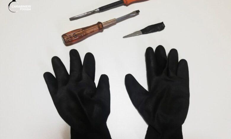 foto materiale sequestrato foggia ladri auto