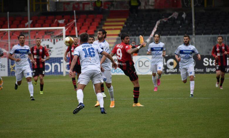 Photo of Foggia, clamorosa sconfitta contro la Paganese nonostante la superiorità numerica