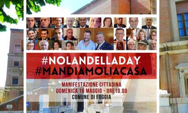 """Photo of """"Mandiamoli a casa!"""", Foggia scende in piazza con la manifestazione No Landella day davanti al Comune"""