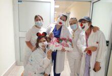 Photo of Un piccolo dono cosmetico ai guerrieri e alle guerriere del reparto oncologico del Lastaria